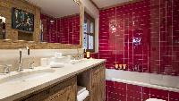 cool bathtub in Chalet Orsini luxury apartment, holiday home, vacation rental