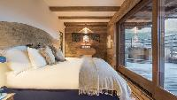 pristine bed sheets in Chalet Orsini luxury apartment, holiday home, vacation rental