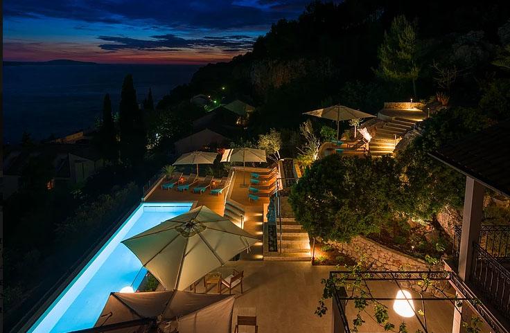 Luxury Villa Pink Champagne