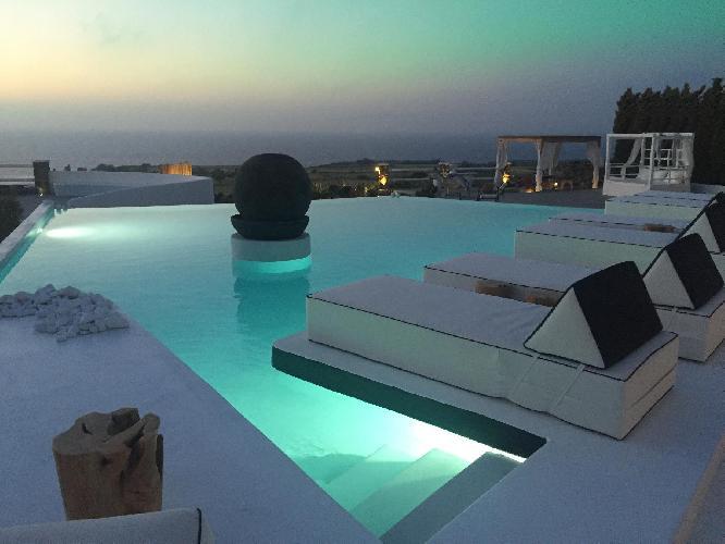 amazing Santorini Oia Sunset Villas Emerald luxury apartment, perfect vacation rental