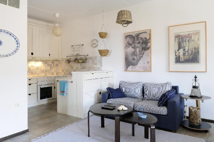 neat Kea Kastellakia Bay Villa Thymari luxury holiday home, vacation rental