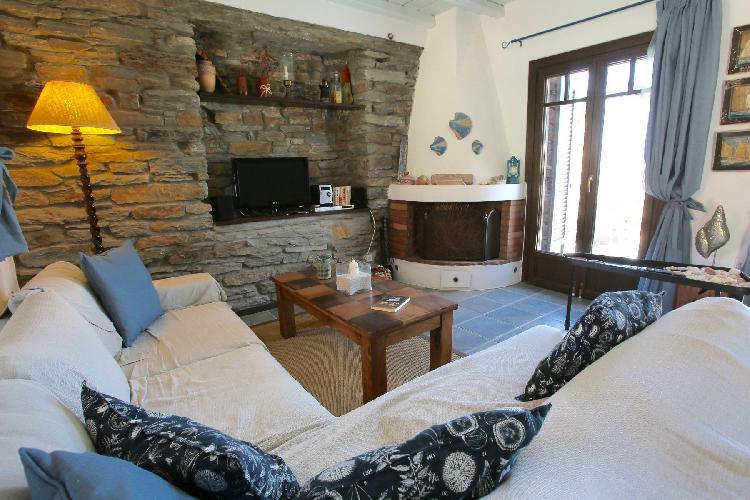 cozy Kea Kastellakia Bay Villa Thymari luxury holiday home, vacation rental