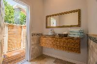 fully furnished Bahamas Luxury Villa holiday home, vacation rental