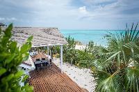 beautiful seaside Bahamas Luxury Villa holiday home, vacation rental