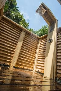 cool outdoor shower in Bahamas Luxury Villa holiday home, vacation rental