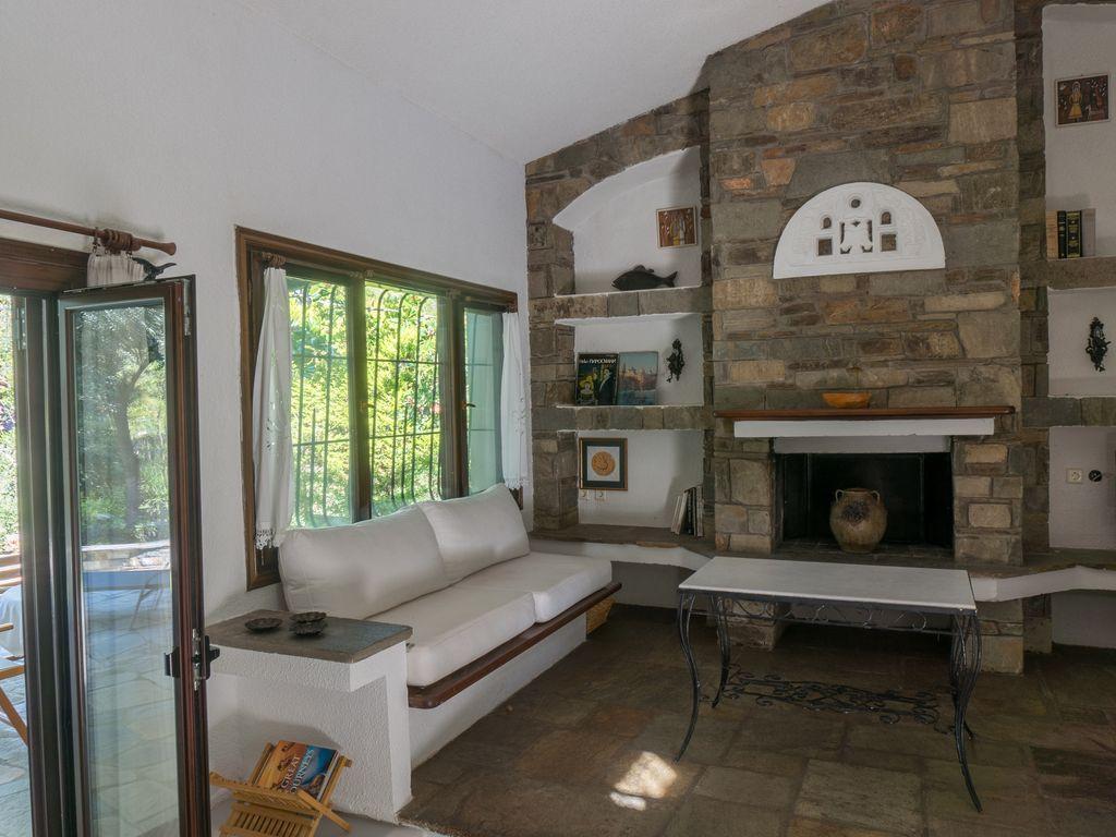 nice interiors of Athens - Evergreen Villa luxury apartment