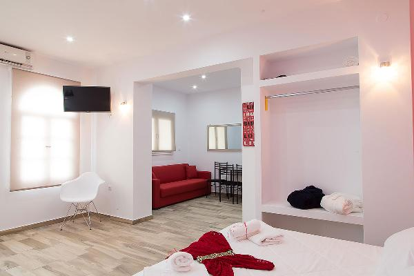 Santorini Oasis Suites - Ruby