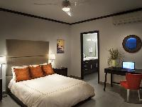 clean and fresh bedroom linens in Costa Rica Diamante del Sol 801N luxury apartment