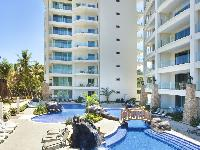 cool swimming pool of Costa Rica Diamante del Sol 801N luxury apartment