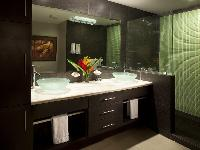 clean and fresh bathroom in Costa Rica Diamante del Sol 901S luxury apartment
