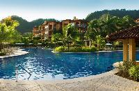 cool swimming pool of Costa Rica Colina 2B luxury apartment