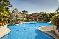 invigorating pool of Costa Rica Colina 2B luxury apartment