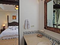 well-appointed Costa Rica Bahia Encantada E4 luxury apartment