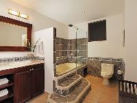 spacious Costa Rica Bahia Encantada E4 luxury apartment