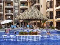 amazing swimming pool of Costa Rica Bahia Encantada E4 luxury apartment