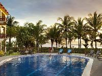 relaxing pool of Costa Rica Bahia Azul 9B luxury apartment and holiday home