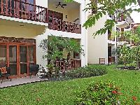 beautiful garden of Costa Rica Bahia Azul 9A luxury apartment and holiday home