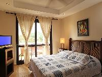 clean and fresh bedroom linens in Costa Rica Bahia Encantada D3 luxury apartment