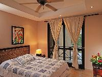 fresh and clean bedroom linens in Costa Rica Bahia Encantada D3 luxury apartment