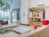 bright and breezy Costa Rica Casa del Mar luxury apartment