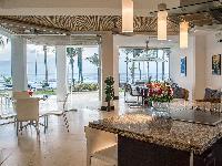amazing glass walls of Costa Rica Casa del Mar luxury apartment