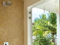 sunny and airy Costa Rica Casa del Mar luxury apartment