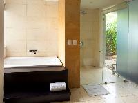 clean and fresh bathroom in Costa Rica Casa del Mar luxury apartment
