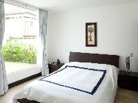fresh and clean bedroom linens in Costa Rica Casa del Mar luxury apartment