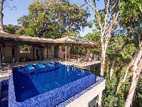 cool poolside of Costa Rica Vista Hermosa luxury apartment