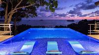 awesome swimming pool of Costa Rica Vista Hermosa luxury apartment