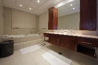 cool bathtub in Dubai Luxury 4 Bedroom Penthouse holiday home