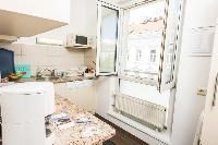 airy and sunny Vienna - Apartment F21/18 luxury vacation rental and holiday home