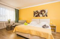 clean and fresh bedroom linens in Vienna - Apartment F21/18 luxury vacation rental and holiday home