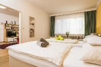 sunny and airy Vienna - Apartment F21/18 luxury vacation rental and holiday home