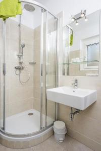 fresh and clean bathro