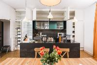 cool dining area in Vienna - Apartment 9 lusury vacation rental and holiday home