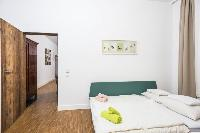 pristine bed sheets and pillows in Vienna - Apartment 9 lusury vacation rental and holiday home