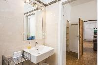 clean and fresh bathroom in Vienna - Apartment 9 lusury vacation rental and holiday home