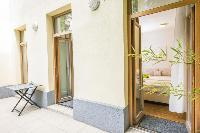 pretty patio of Vienna - Apartment 9 lusury vacation rental and holiday home