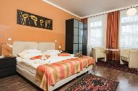 fresh and clean bedding in Vienna - Apartment 8 luxury vacation rental and holiday home