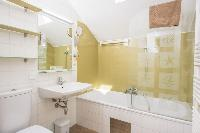 fresh and clean bathroom in Vienna - Apartment 1 luxury holiday home and vacation rental