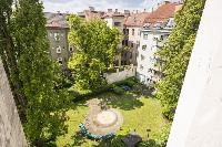 beautiful garden of Vienna - Apartment 1 luxury holiday home and vacation rental