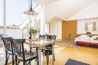delightful dining area in Vienna - Apartment 1 luxury holiday home and vacation rental