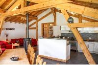 warm and welcoming French Alps - Chalet Le Passeu luxury apartment