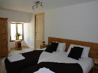 fresh and clean bedding in French Alps - Chalet Le Passeu luxury apartment