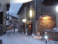 cool shops near French Alps - Chalet Le Passeu luxury apartment