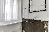 sleek bath in Paris luxury apartment