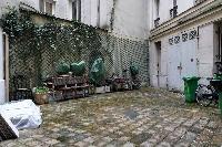 very quiet courtyard in Paris luxury apartment