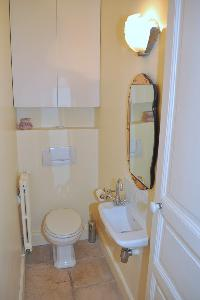 clean bathroom in Saint Germain des Prés - Jacob 5 luxury apartment