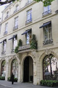 beautiful exterior of Saint Germain des Prés - Jacob 5 luxury apartment